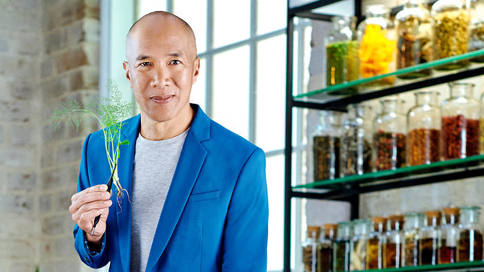 Andrew Yeo of Teapot Teas on SBS's  Medicine or Myth